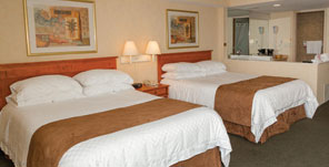 Hotel Deals - Ramada by Wyndham Niagara Falls Near the Falls